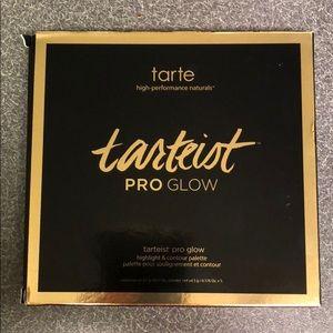 "Tarte ""Tarteist"" Pro Glow highlight/contour"